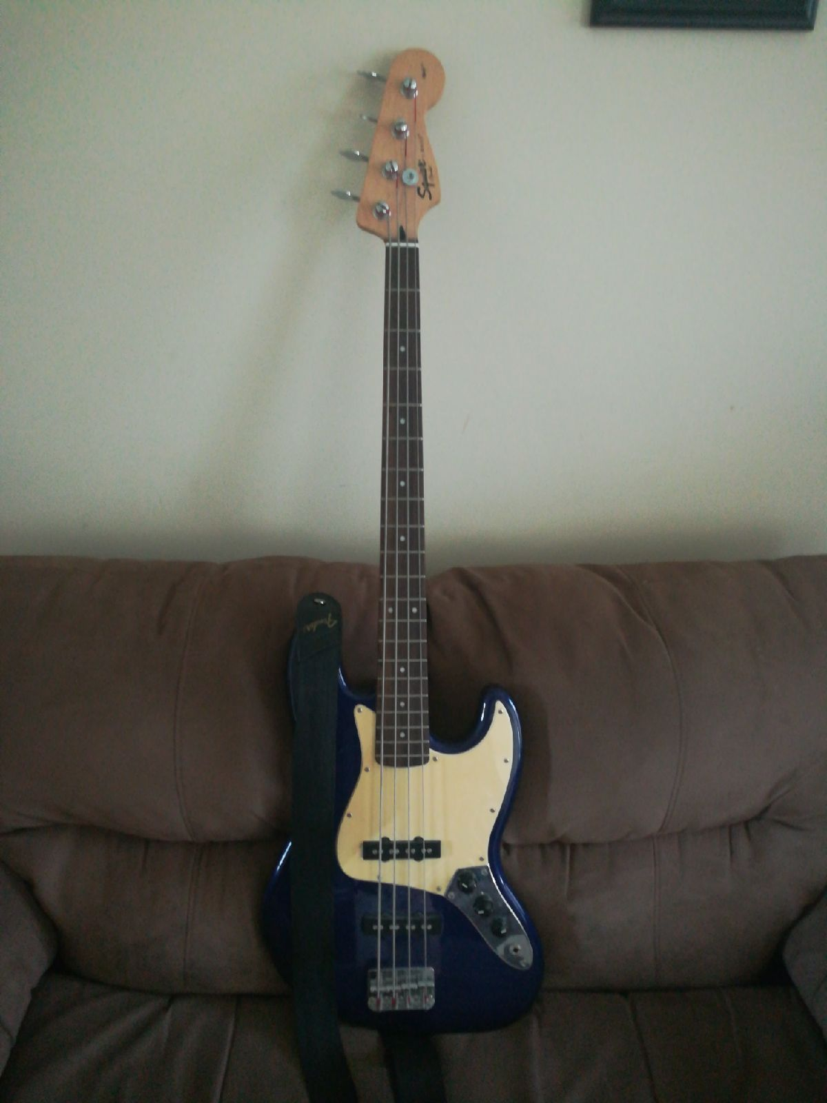 Squire by Fender Jazz Bass 2009 Royal Pu