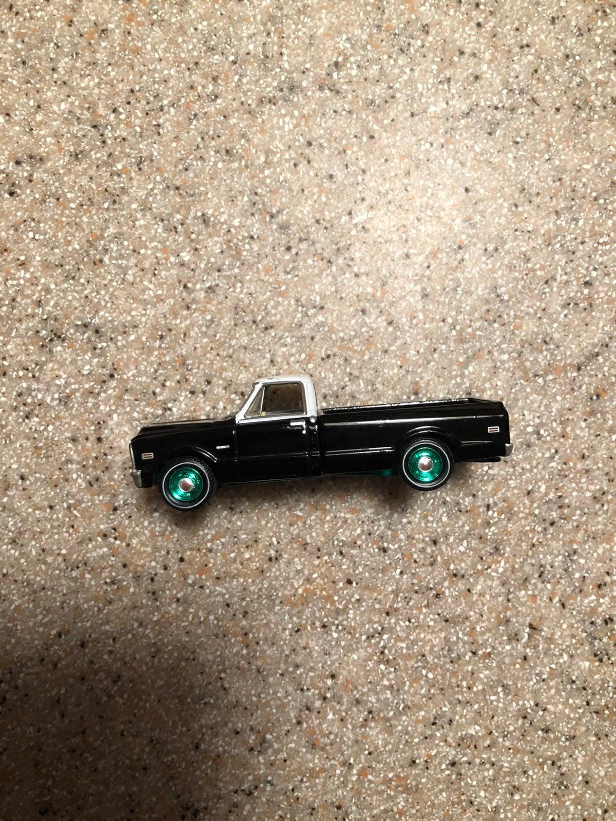 Greenlight Black Bandit 1972 Chevy C10