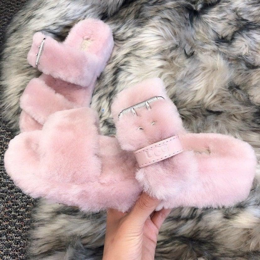 NWOB UGG Pink Fuzz Yeah Slippers Sz 7