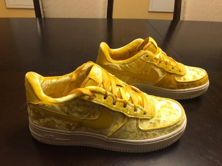 Nike Air Force 1 LV8 Gold Sneaker 6.5