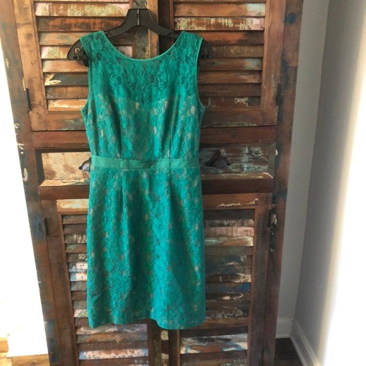 BCBG Alice Green Lace Sheath Dress 6