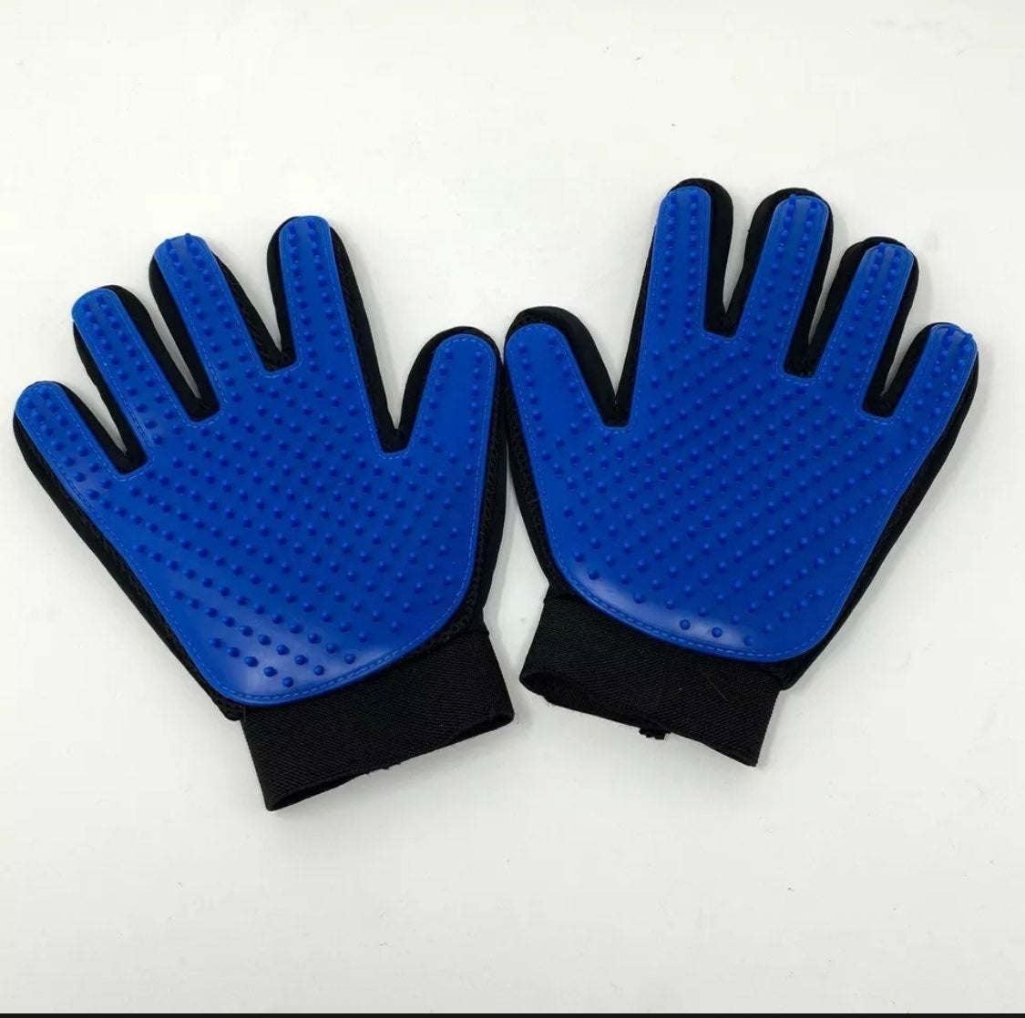 True Touch deShedding Glove Pet Grooming
