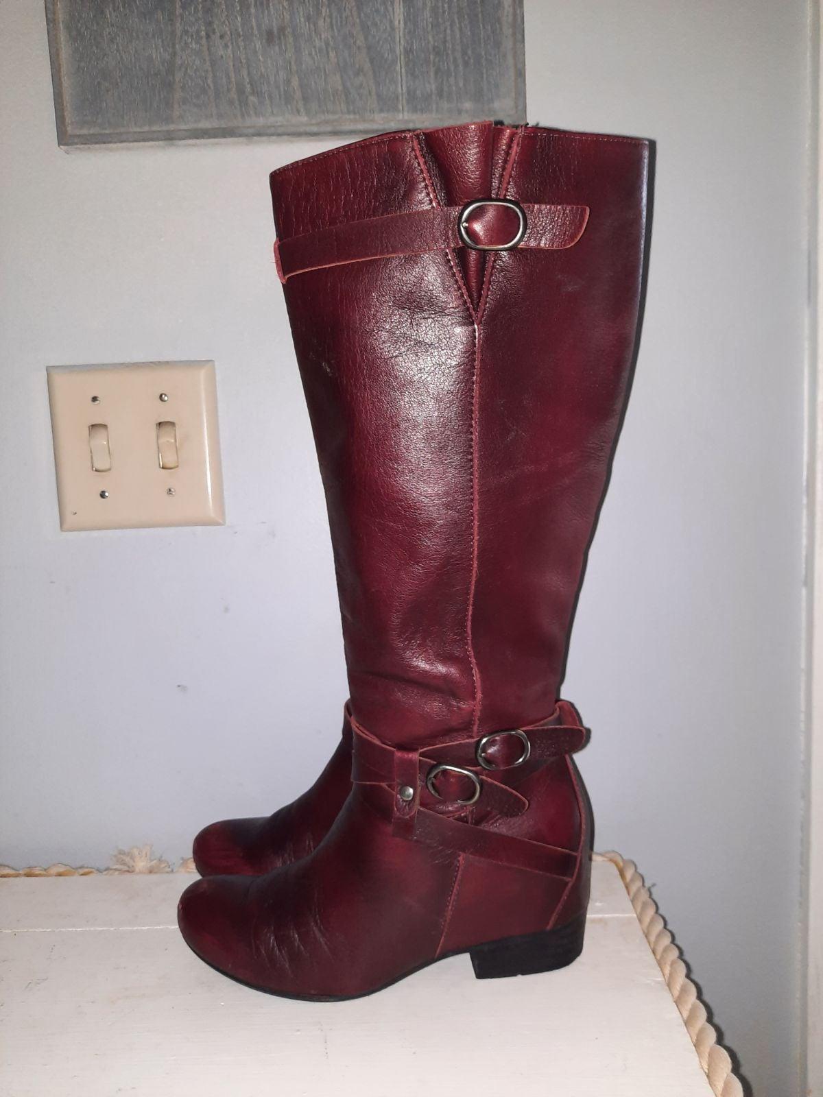 Goegeous Red Miz Mooz Boots