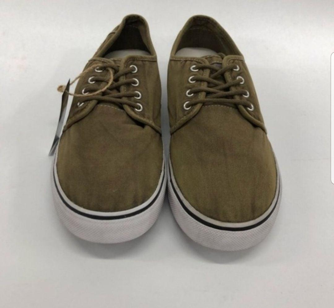 Buckle Black Skate Shoes