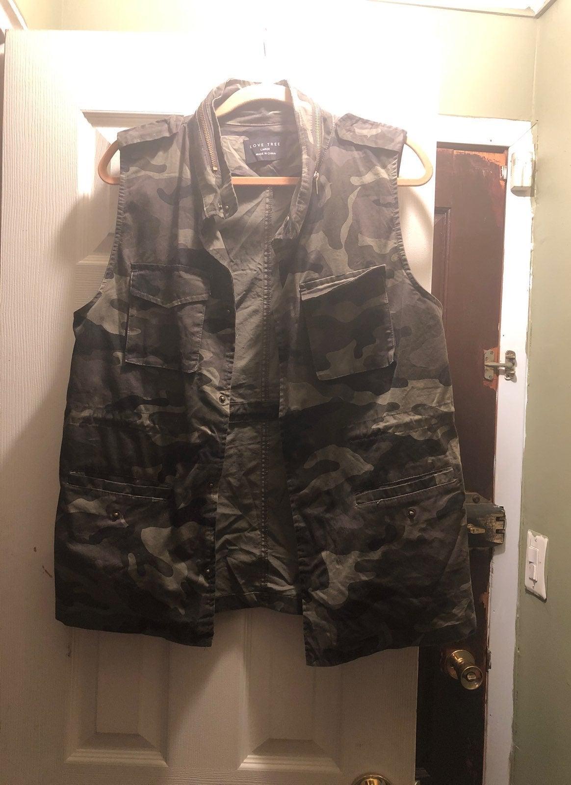 Camouflage Vest Style