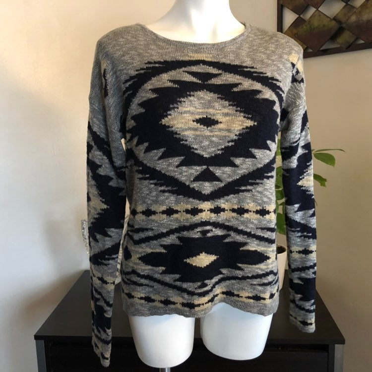 Women's Cato High Low Sweater Size L
