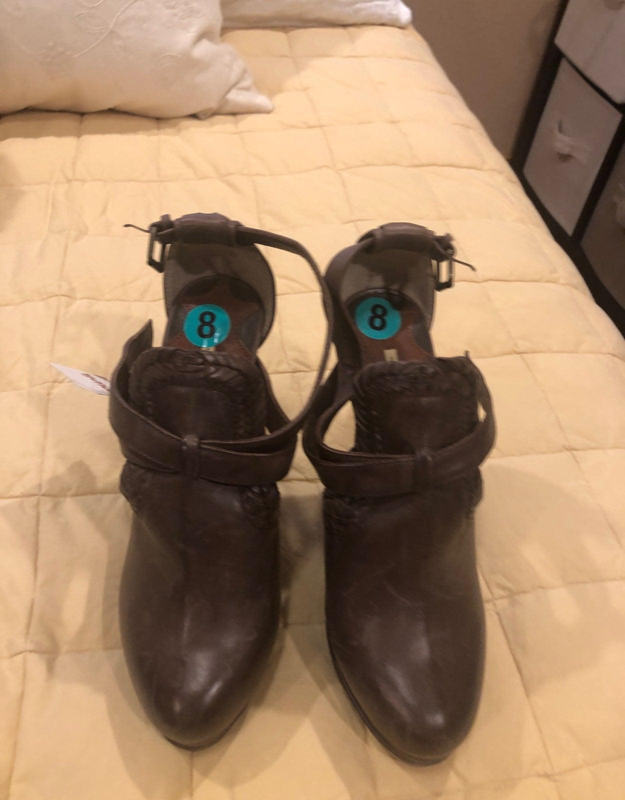 Max Studio leather heels