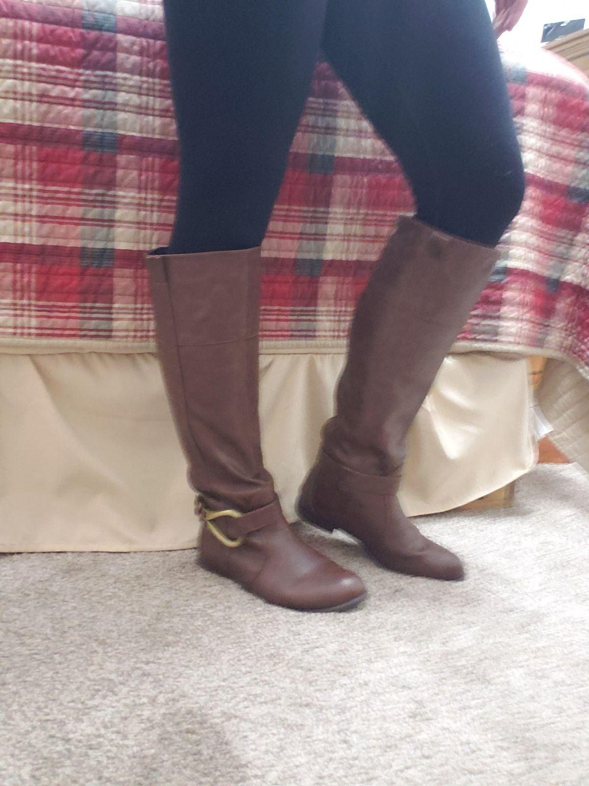 Back zipper boot