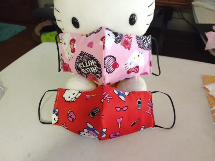 Face Mask 2 NEW Hello Kitty w Pocket