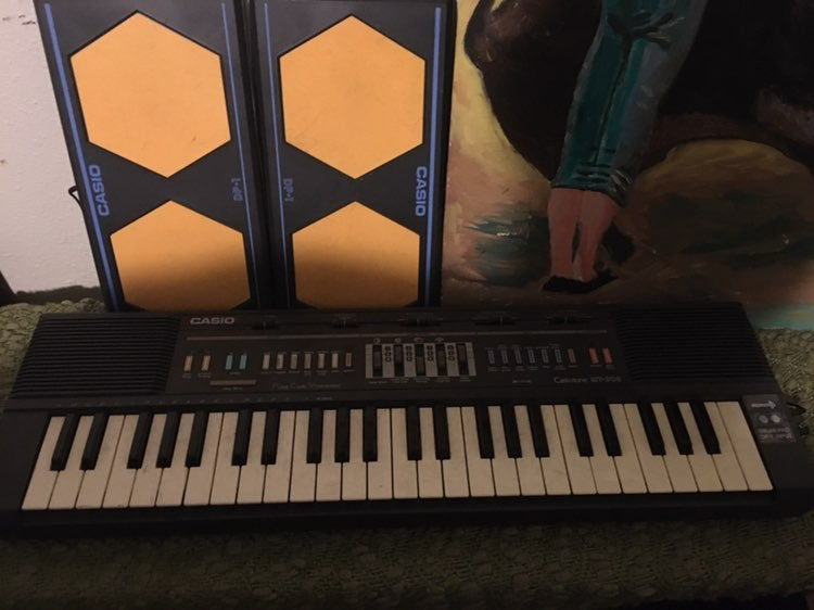 Casiotone MT-205 Keyboard with 2 Rare Ca