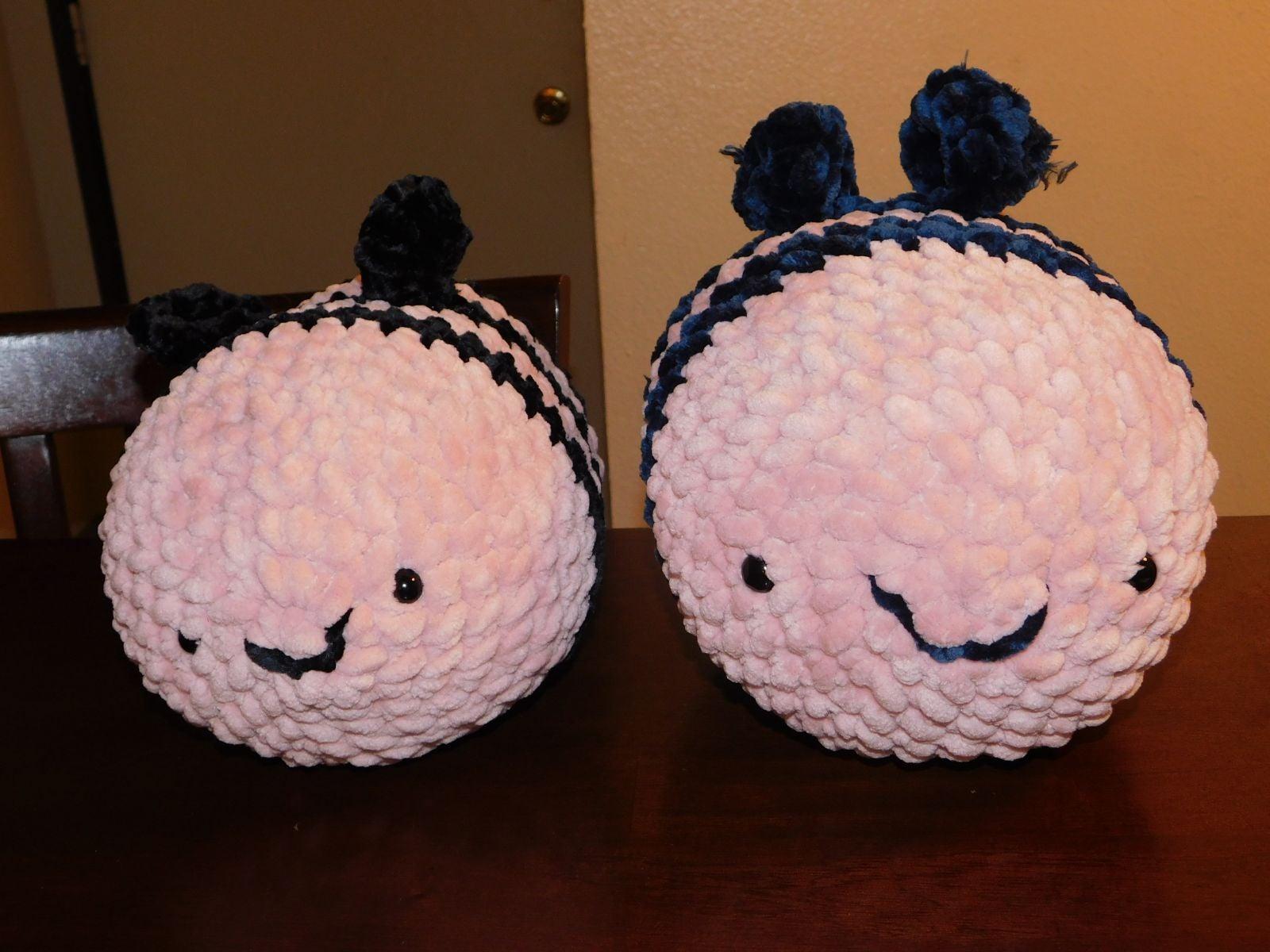 Crochet Bee (pink)