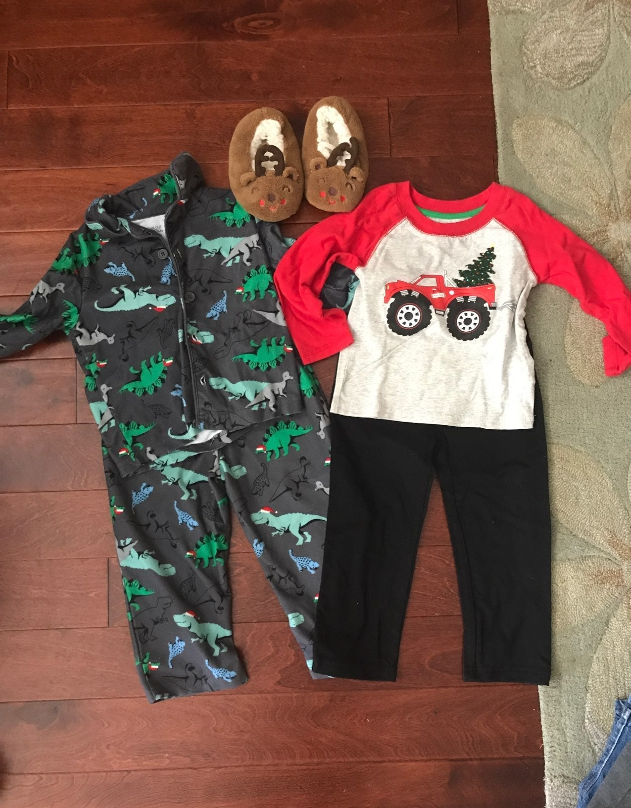 Christmas clothes Bundle 2T