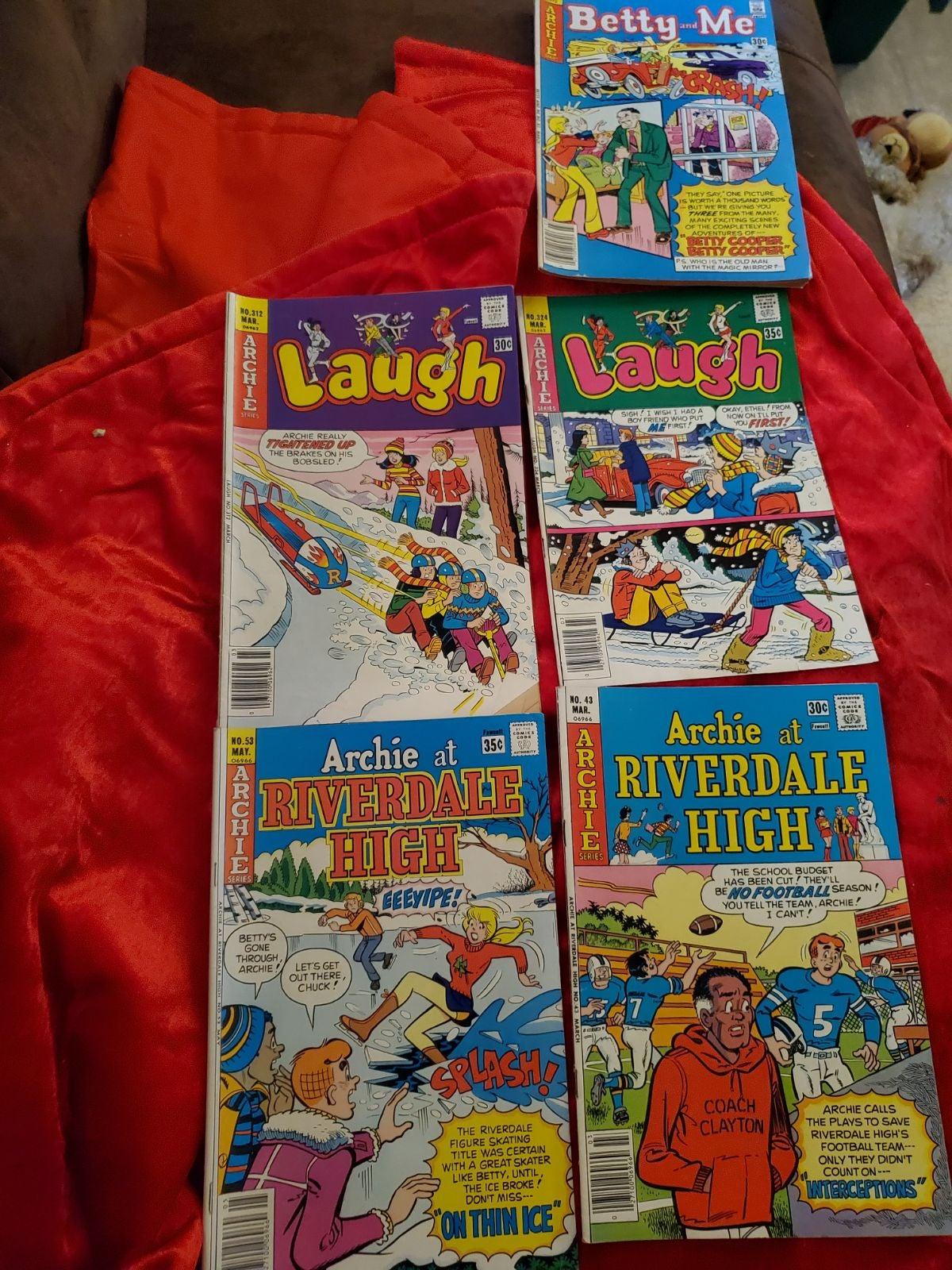 lot of 5 archie comics
