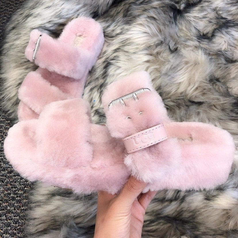 $100 NEW| Ugg fuzz yeah slippers