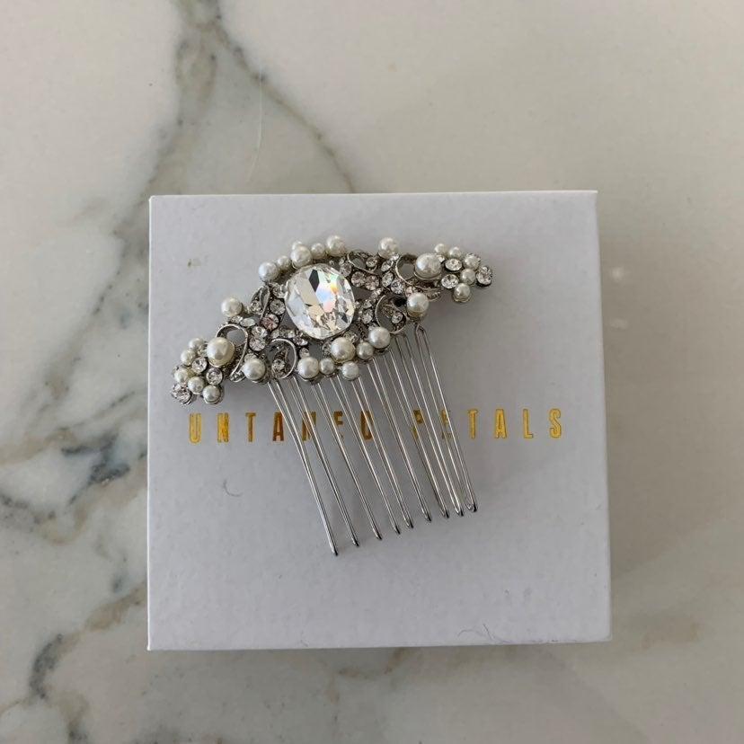 Untamed Petals Crystal Pearl Hair Comb