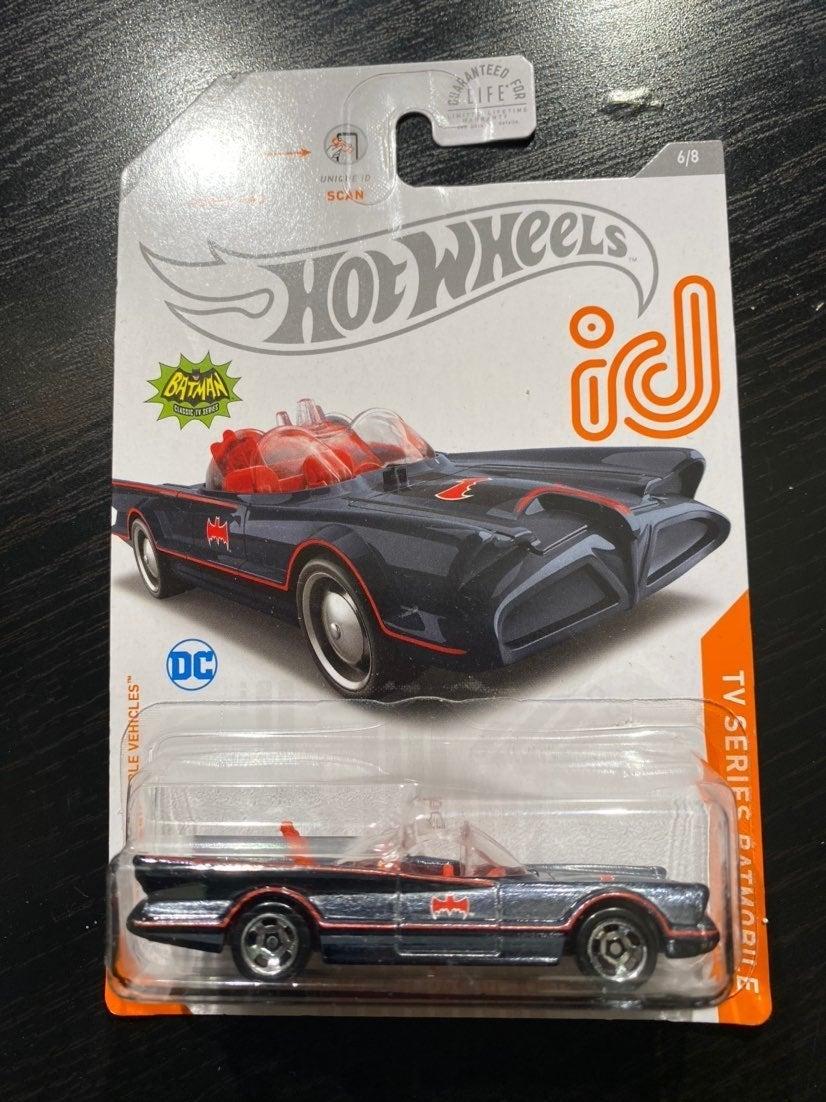 Hot Wheels batmobile iD