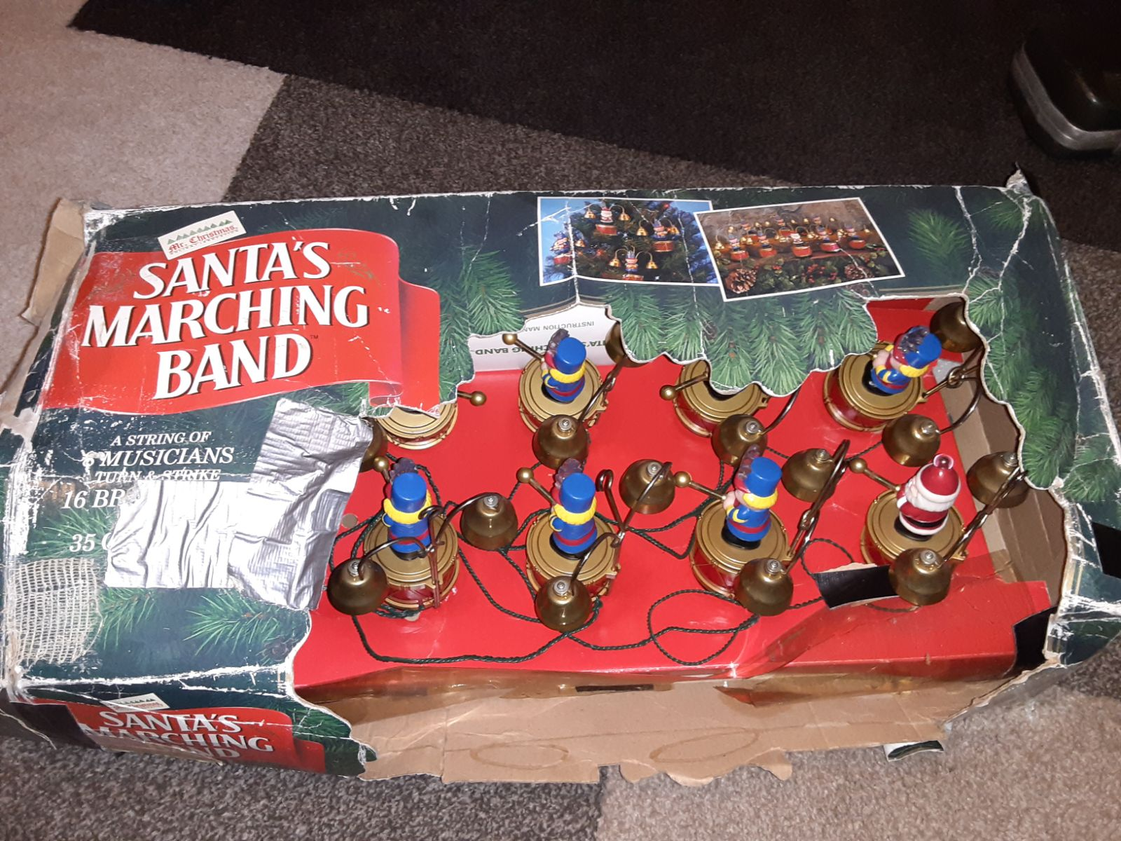 Mr Christmas Santa's Marching Band