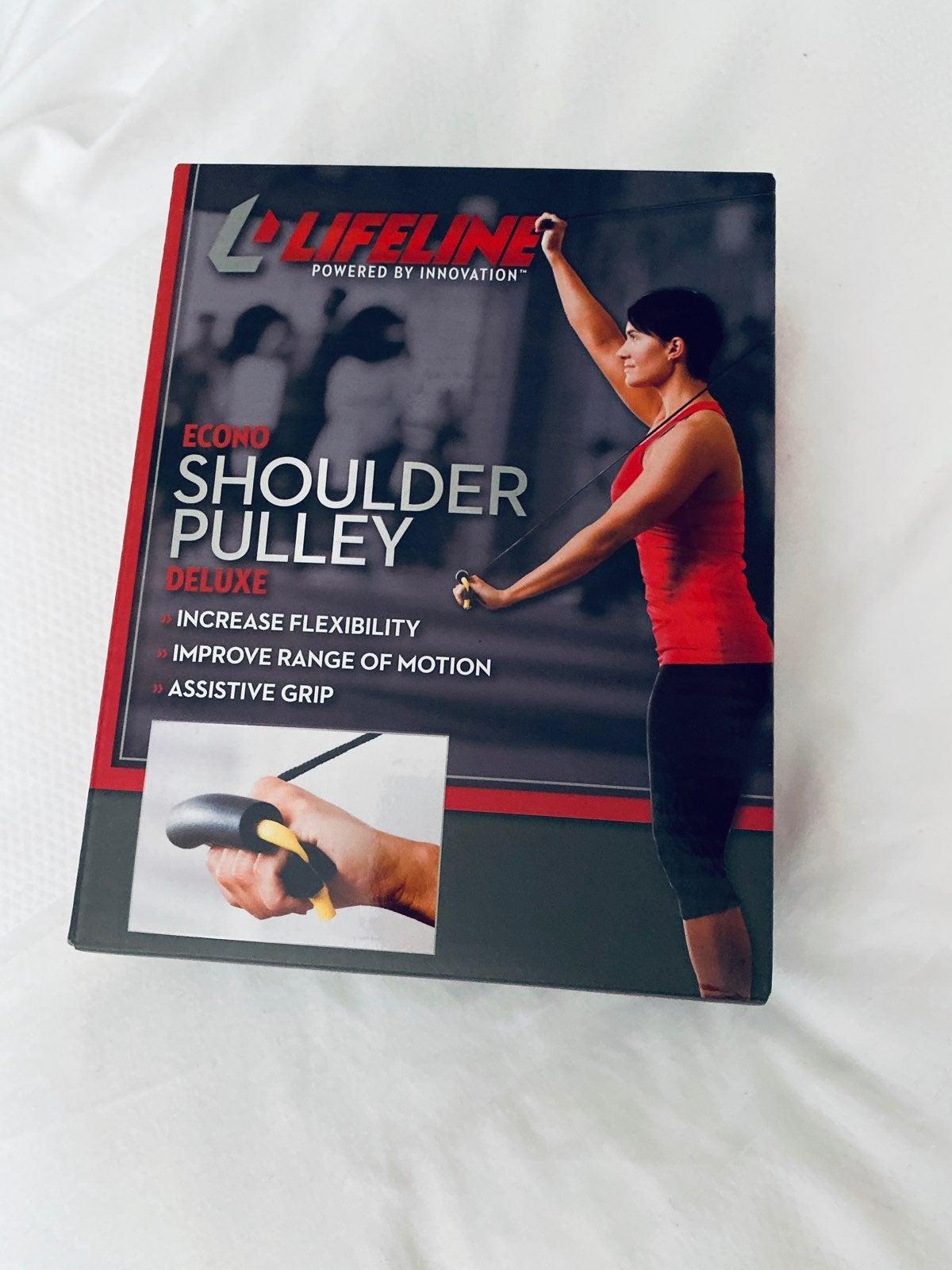 Upper body training pulley
