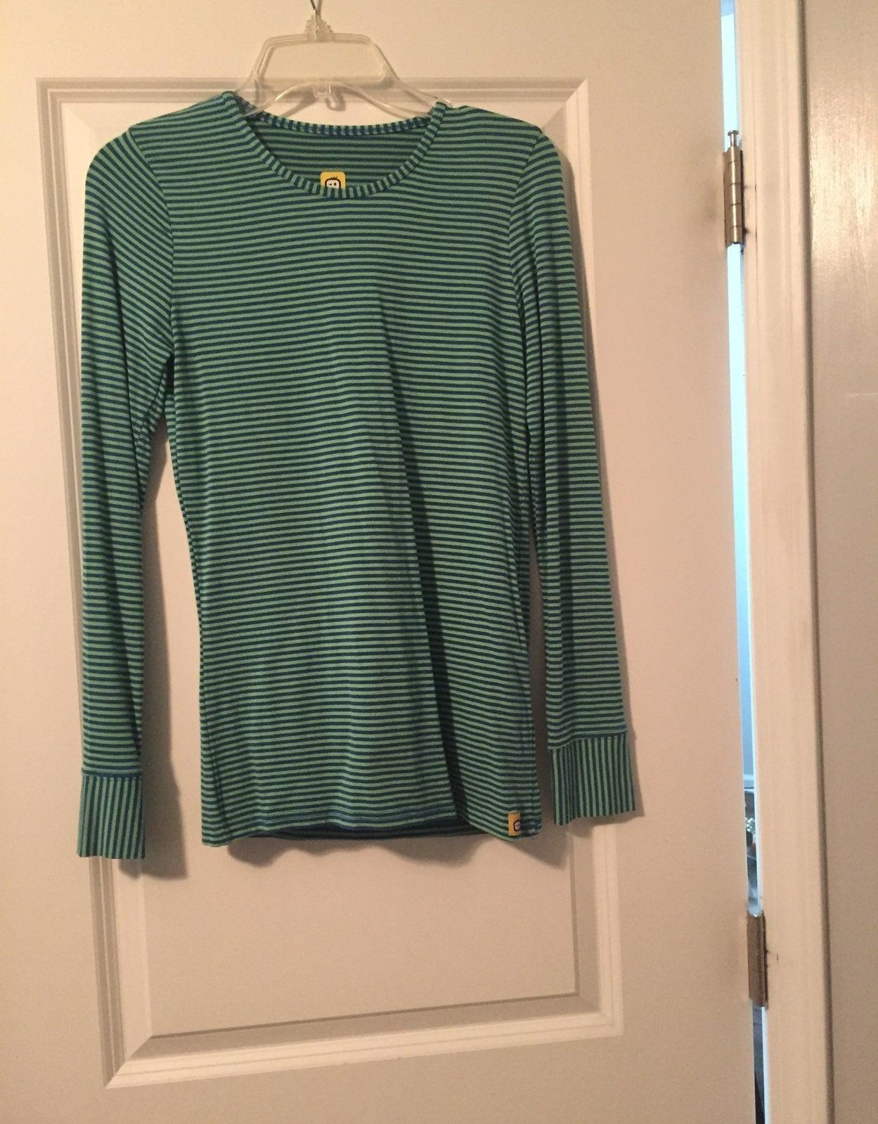 Long Sleeve wondee wink shirt size xs