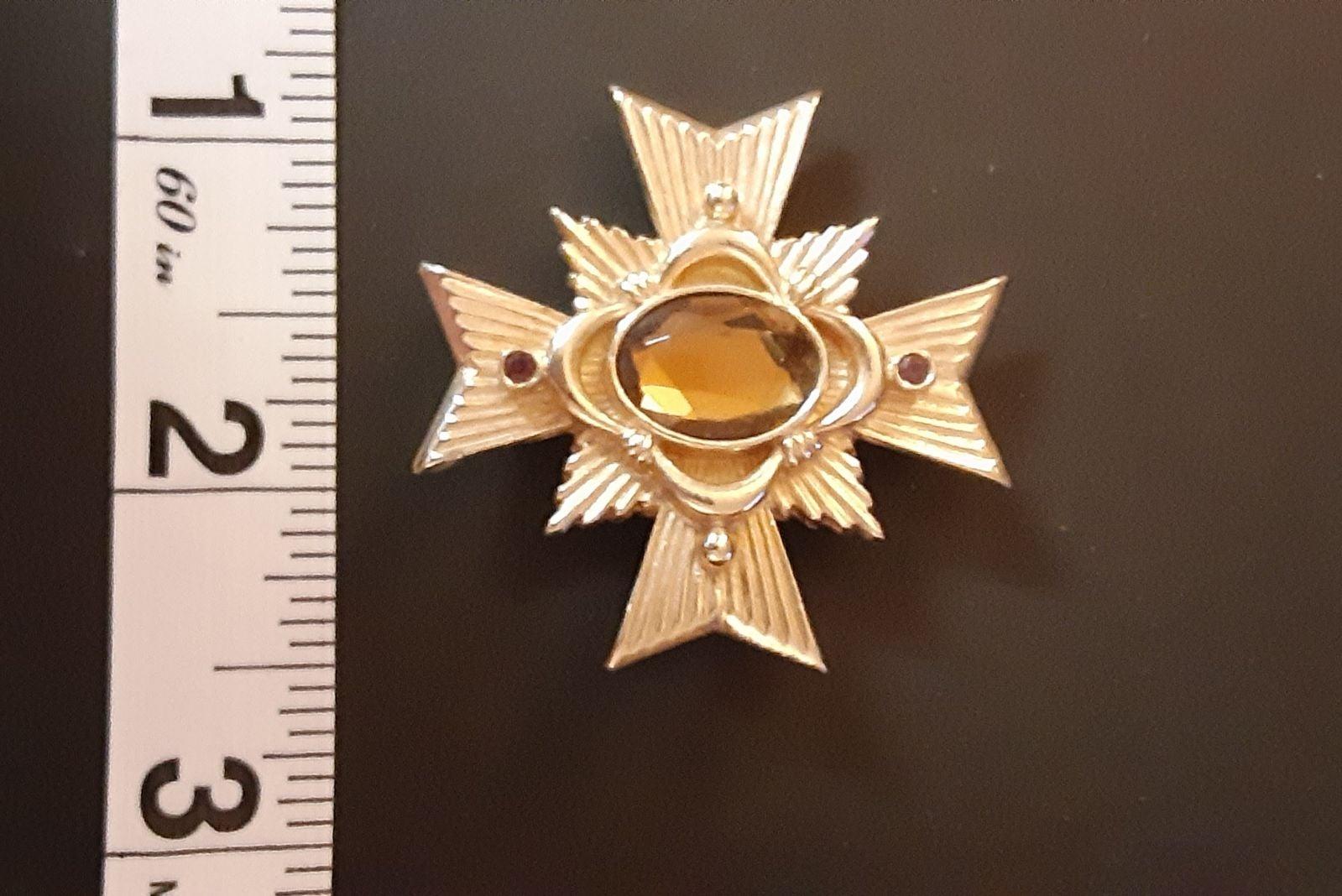 vintage Avon pin