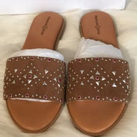 cadb236160e Treasure And Bond Sandals Size 6