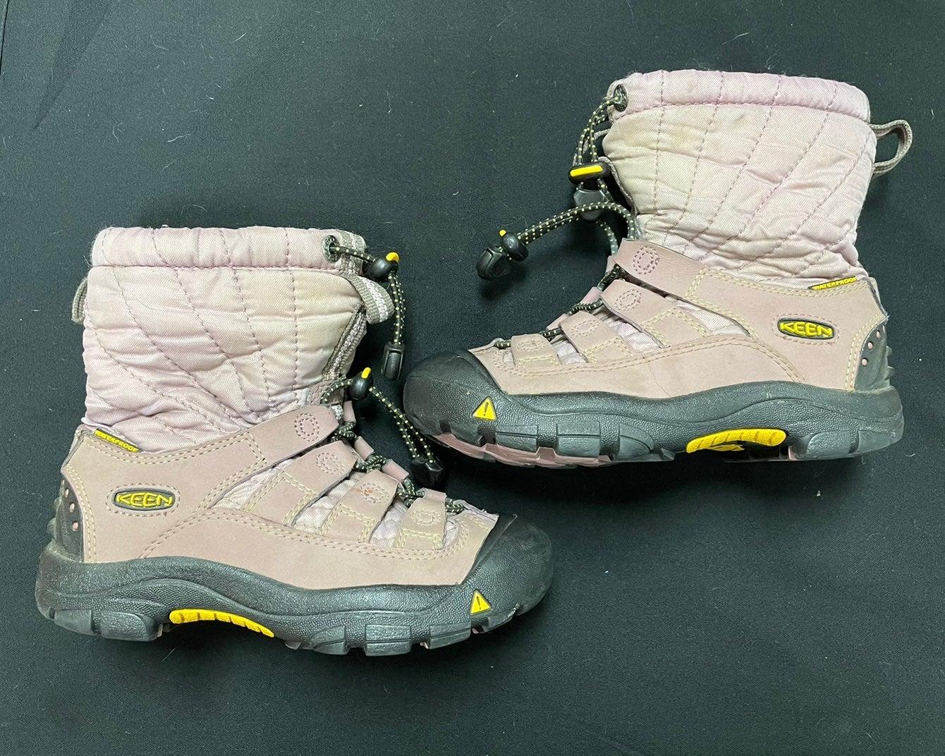 Keen kids size 13 winter boots