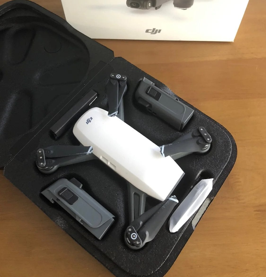 DJI Spark Alpine White + Charger