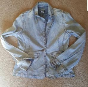 f403a3ee38 Shop New and Pre-owned GUESS Denim Coats   Jackets