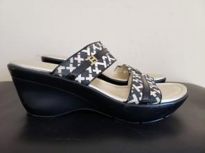 10e70e182b5e Vintage 90 s Tommy H Platform Flip Flops.  12. Hilfiger Women Wedges Sandals  Sz 10.5