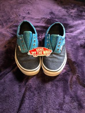 e8914c70a0 Shop New and Pre-owned VANS Checked Shoes