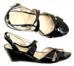 5a5abf6a91f Shop New and Pre-owned Liz Claiborne Wedge Sandals