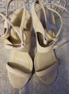 cf3201d1505 Shop New and Pre-owned FOREVER 21 Suede Sandals