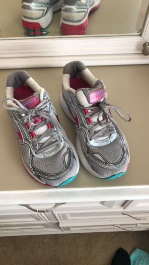 67e96a673b600 Shop New and Pre-owned Brooks Running Shoes