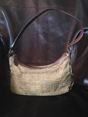 61ac7918648d Shop New and Pre-owned Fossil Exterior Zip Handbags