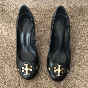 26551ee45df Shop New and Pre-owned Tory Burch Block Heel Pumps