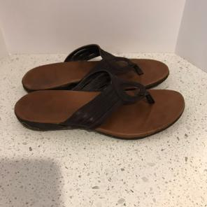 5d6fb2d9fbad Shop New and Pre-owned Merrell Leather Sandals