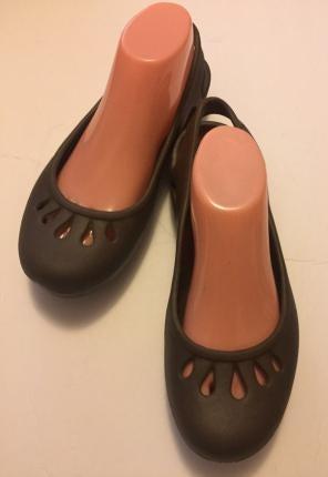 f8c4d1dd882f Shop New and Pre-owned Crocs Summer Sandals