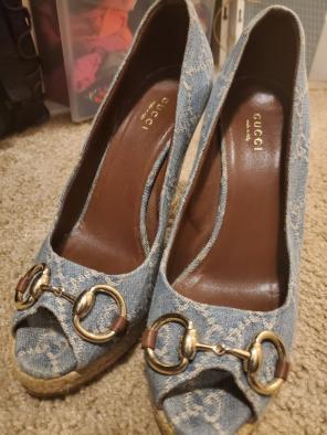 5d103a9b60b2 Shop New and Pre-owned Gucci Wedge Sandals