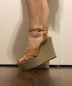 486b170a198 Shop New and Pre-owned Steve Madden Platform Wedge Sandals
