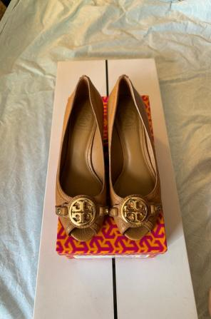 514484c310fd Shop New and Pre-owned Tory Burch Open Toe Shoes