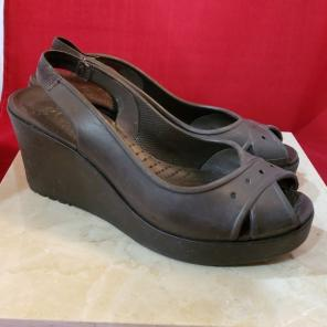 fe45d1504 Shop New and Pre-owned Crocs Slingback Shoes