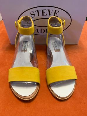 8ac7d432f3ee Shop New and Pre-owned Steve Madden Synthetic Sole Sandals