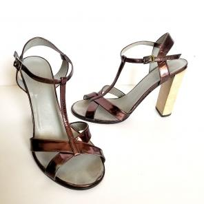 ebd32c7a15eb Shop New and Pre-owned Gucci Strappy Shoes