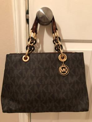5d3306a5ae8f Shop New and Pre-owned Michael Kors Small Satchels