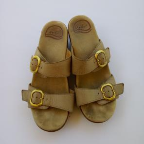 c6ec2c04be50 Shop New and Pre-owned Dansko Leather Sandals