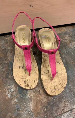 04d694cb29ac Shop New and Pre-owned Chaps Wedge Sandals