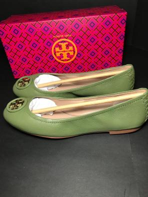 be4a1bad9f6e01 Tory Burch Claire Ballet Black Flats.  178 · Tory Burch Allie Daphne Size  7.5