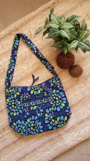 9db04f3c16 Shop New and Pre-owned Vera Bradley Floral Handbags
