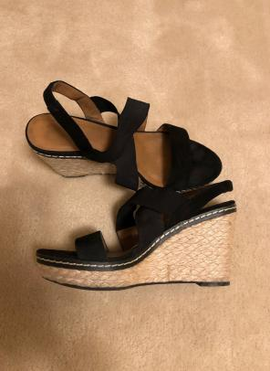 48162c0b77c Shop New and Pre-owned Franco Sarto Suede Sandals