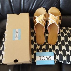 088223fd2cb Shop New and Pre-owned TOMS Leather Sandals